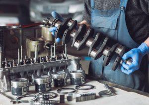 ремонт дизельных двигателей, автосервис, станция технического обслуживания, СТО, Болт, капитальный ремонт мотора, выхлопная труба, горючее, заправка